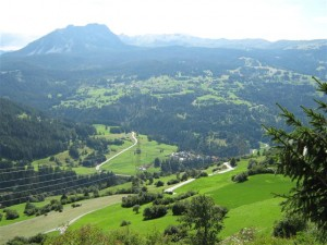 Het uitzicht vanuit ons huisje In Brienz (Zwitserland) , dat dicht bij de ingang van de Albulapas ligt, is formidabel.
