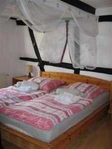 Bad Münstereifel: het bed ziet er uitnodigend uit.