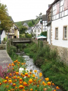 The Erft streams through the village.