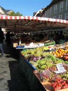 Groenten en fruit van het seizoen zijn meestal het beste voor het budget. Wie verstandig koopt, hoeft vaak niet te lenen.