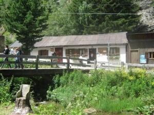 Het restaurantje.ligt bij het Lago di Tret, dicht bij het Val di Non, en is een leuke plek om rond te wandelen.