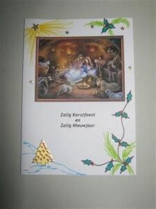 Met stickertjes en tekenmateriaal zijn de uitgeprinte kerstkaarten vaak nog veel mooier te maken.