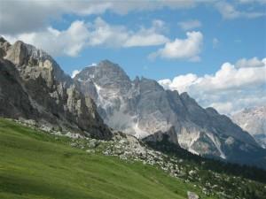 De Dolomieten lenen zich goed voor korte en langere wandeltochten in een fascinerende bergwereld.