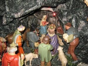 Bij het kerstfeest hoort ook de kerststal met de beelden thuis, ter herinnering aan de geboorte van Jezus.