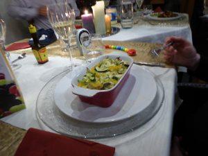 Een koolhydraatarm dieet kan lekker zijn, zoals een ovenschoteltje met courgette, kruiden en eieren.